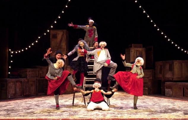 encombrants-font-leur-cirque-troupe